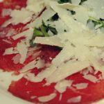 Carpaccio italiano con parmesano